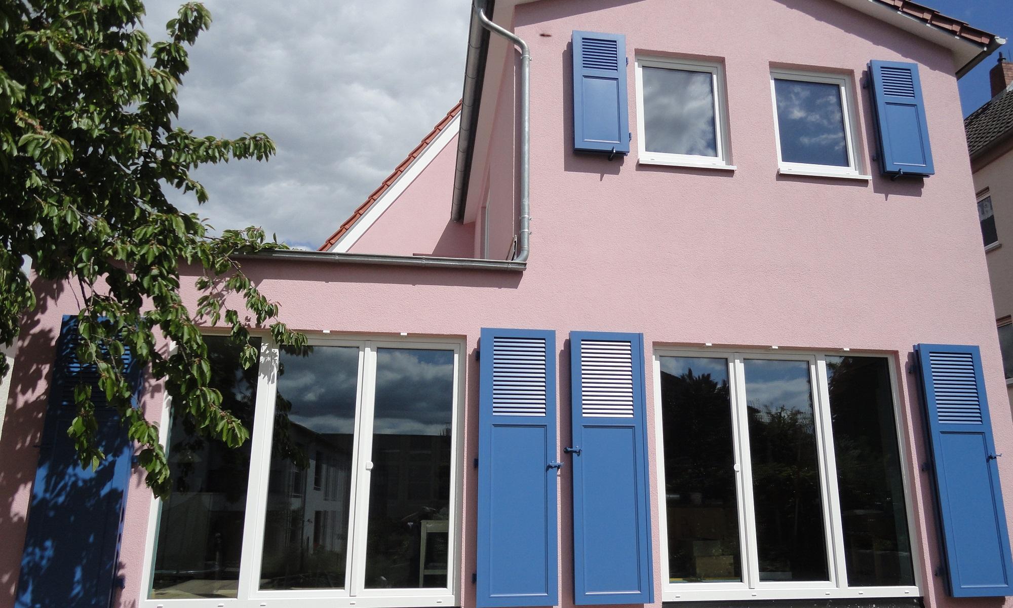Fensterladen / Klappladen aus Holz oder Aluminium, Schiebeläden, Faltschiebeläden
